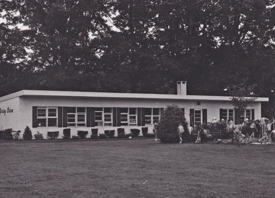 Image of Twin Spring Farm in the 50s.